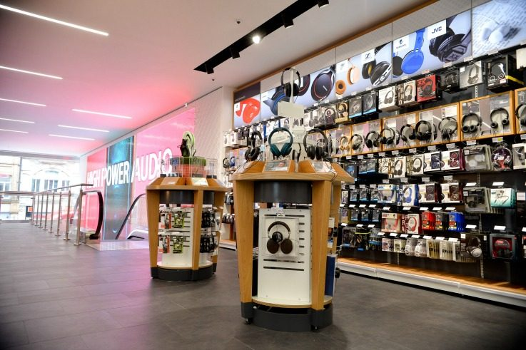 Retail initiative - Currys PC World retail store design