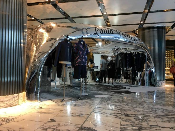 Louis Vuitton pop-up 3D printed tech