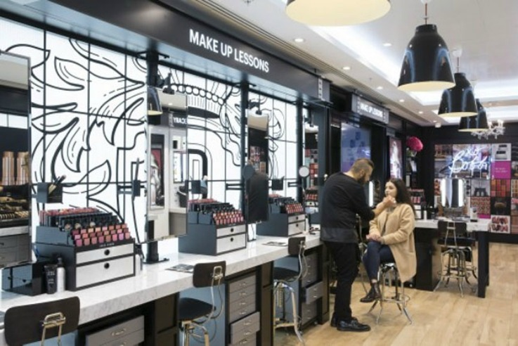 The retail design of bobbi brown studio covent garden for Trend design shop